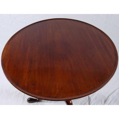 "Antique American 34"" Tilt Top Tea Table"