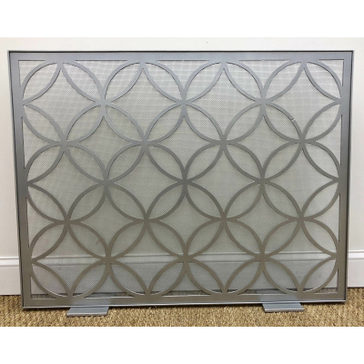 Metalworks Quatrafoil Fire Screen