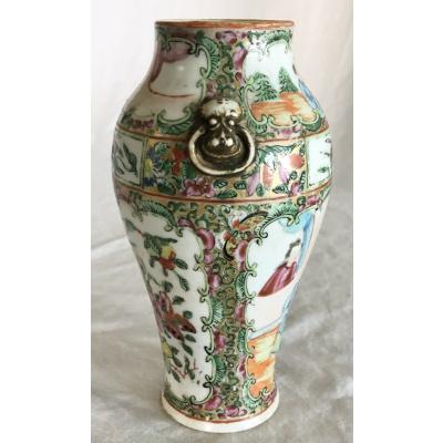 "19th c. Rose Medallion 7"" Balustrad Vase"
